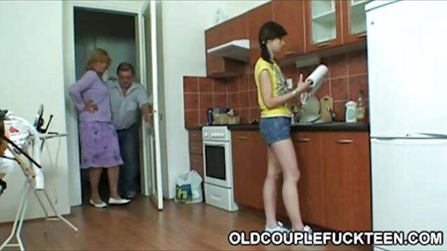 نوجوان انگلیسی پدربزرگ و مادربزرگ را سوار خروس کانال های سکسی تلگرام طلایی بزرگ می کند