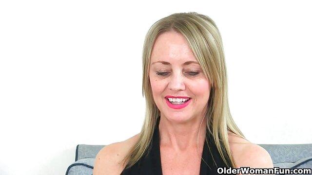 MILF خیره کننده باربارا - کانال جوک های سکسی دختر آلمانی