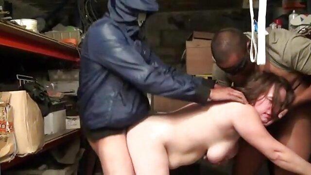پوست - پورن استار بزرگ غنیمت Blondie یک سکس خارجی درتلگرام ضربه عمومی را به صدا در می آورد