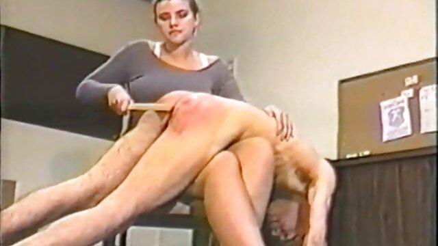 کایلی بلوند بیدمشک دارای یک صفحه ماساژ و لعنتی سکسی است فیلمسکسیواقعی