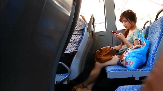 دختر آماتور در انتخاب بازیگران گربه را نشان می دهد کانال های سکس تلگرامی و دیک را می مکد