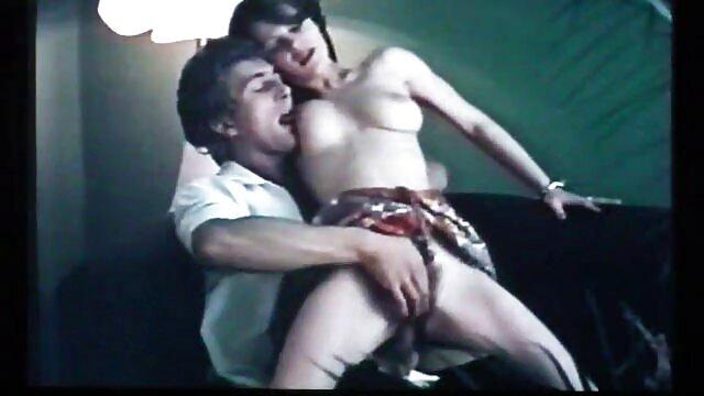 آنیا کینسکی گربه کانال تلگرام جوک های سکسی سخت خود را تکان می دهد