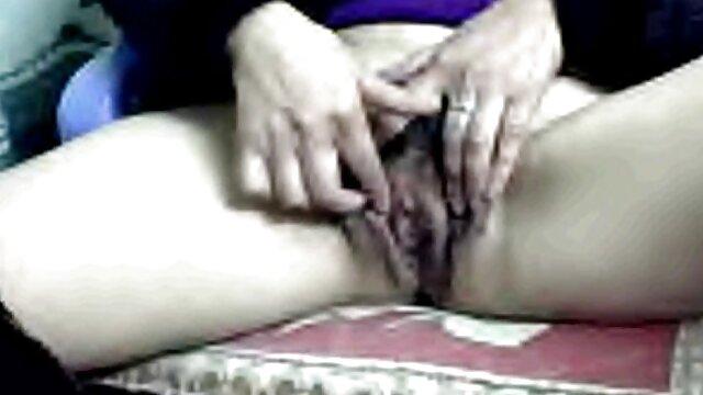 آدریا کانال فیلم های سکسی تلگرام ری با ویبراتور خودارضایی می کند