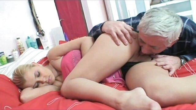 شلخته کوچک با موهای کوتاه سخت محکم می شود فیلم های سکسی کانال تلگرام