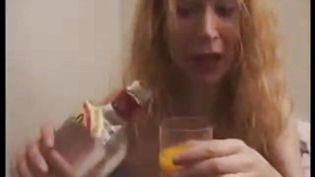 وای در حالی که غوغا می کند ، غریبه ها را کانال تلگرام فیلم خارجی سکسی لعنتی می کند