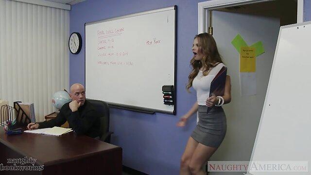 هالی راندال لنا دکر یک دختر معرفی کانال فیلم سوپر است