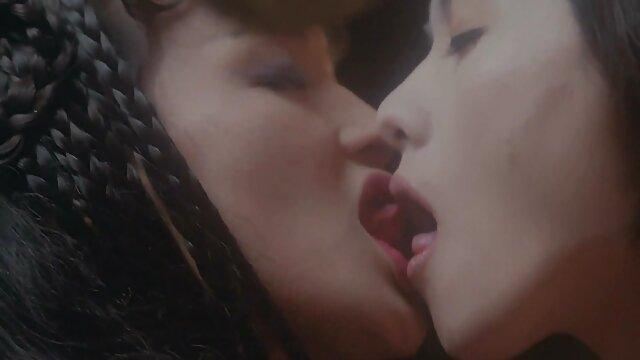 زیبایی آسیایی خودارضایی کانال های سکسی در تلگرام طلایی