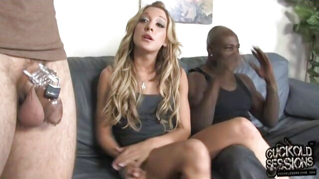 ماریکا در هنگام رابطه جنسی ادرس کانال تلگرام فیلم سکسی خودش با شما تماس چشمی برقرار می کند