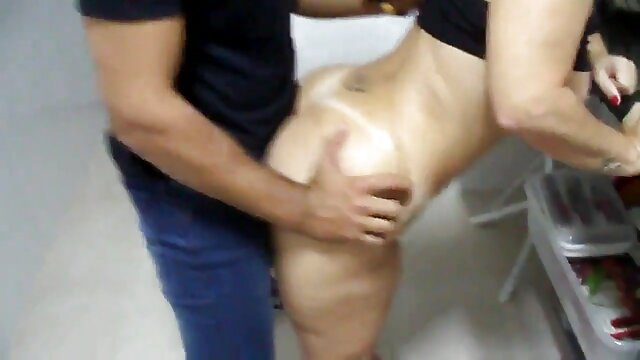 یک روسپی جوان با جوانان بزرگ طبیعی از زیر بار سنگین خسته می کانال سکسی واقعی تلگرام شود.