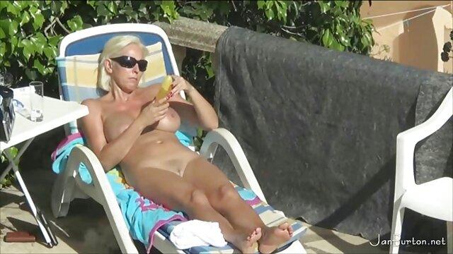 یک دهان گوتیک با عضویت در کانال فیلم سکسی دو عضو